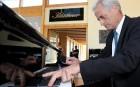 Немецкий министр транспорта записал концерт для водителей