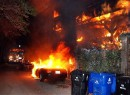 В Лос-Анджелесе неизвестные поджигают автомобили
