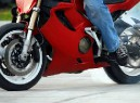 Мотоциклистам разрешать ездить по выделенным полосам