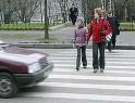 Пешеходов будут штрафовать за разговоры по мобильному телефону