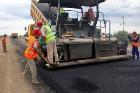 За надежность отремонтированных автомобильных дорог будут нести ответственность их укладчики