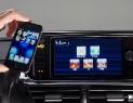 Шведы интегрировали смартфон в приборную панель автомобиля